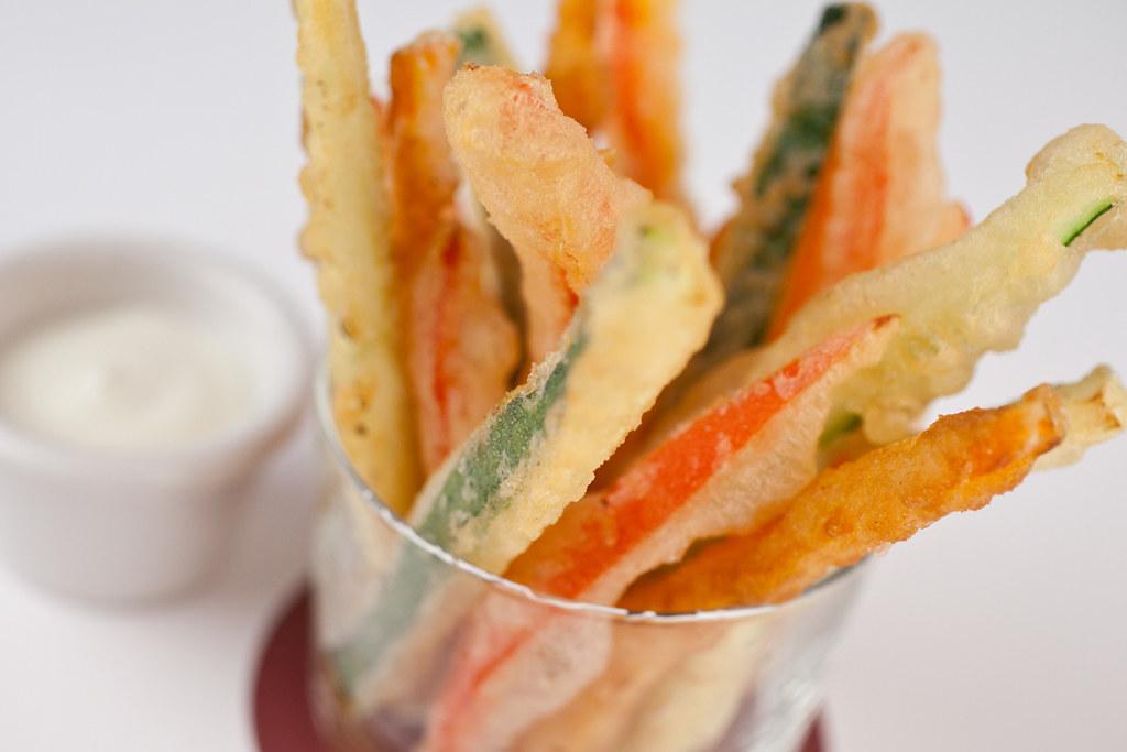 Verduras tempura sushi dragon roll